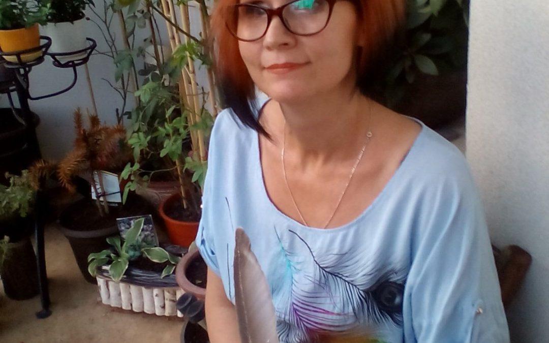 """Iwona Anna Dylewicz, autorka debiutu """"Teatr snów"""""""