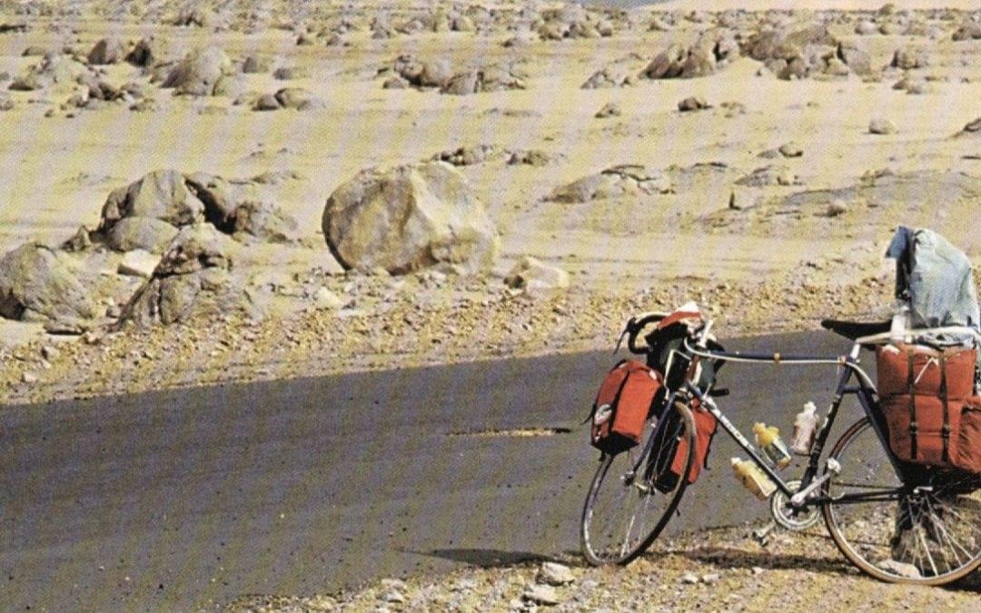 """Rowerowa podróż w czasie z ,,człowiekiem z piasku"""""""